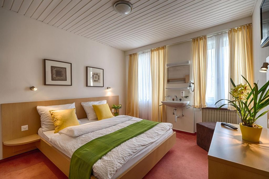 Hotel-Blume-where-to-stay-interlaken-single-double-rooms